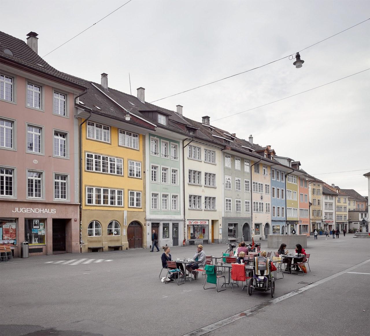 Steinberggasse mit farbigen Fassaden