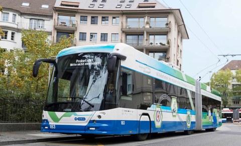 Trolleybus mit Batteriepaket: erfolgreicher Testbetrieb